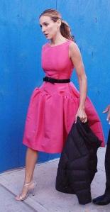 Sarah-Jessica-Parker-SATC-Carrie-Bradshaw-Oscar-de-la-Renta-dress-October-2003_GETTY